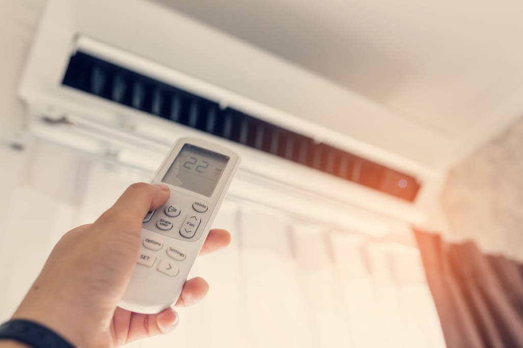 WHERE SHOULD MY AC BE SET AT DURING THE SUMMER IN PHOENIX?